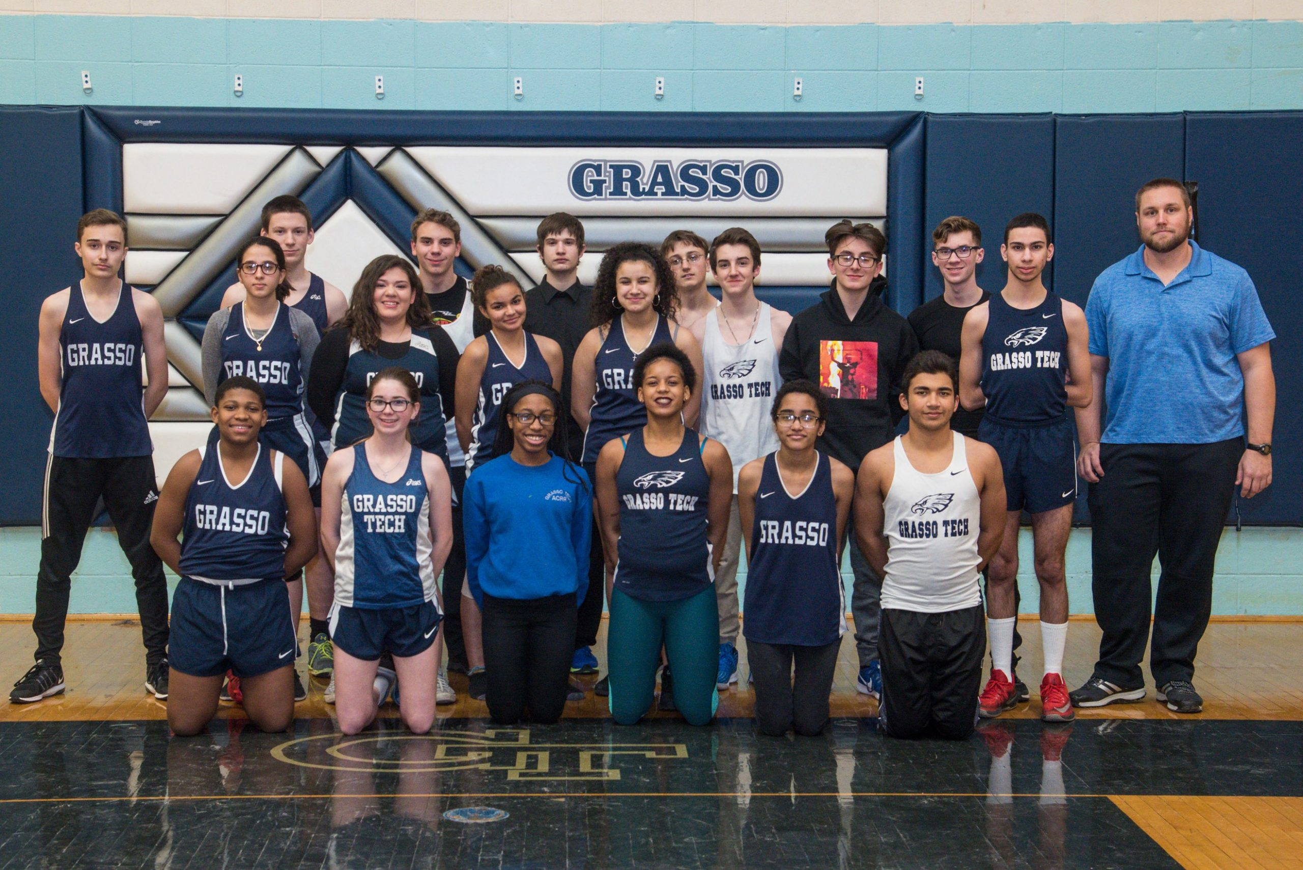 indoor track team 2018 official